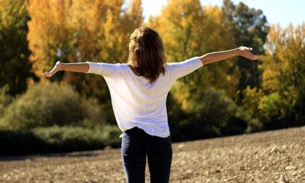 Come respirare bene per mantenere una postura corretta e vivere meglio